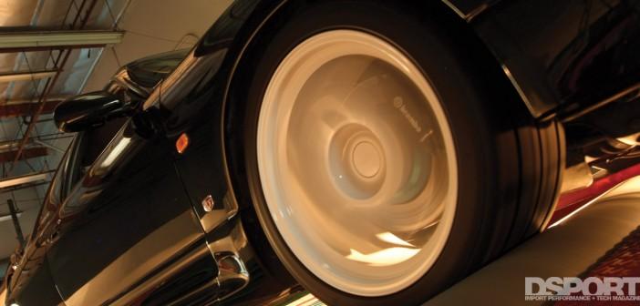 GT-R wheel spinning on dyno.