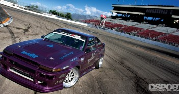 The SR-powered drift AE86 on the bank of Irwindale