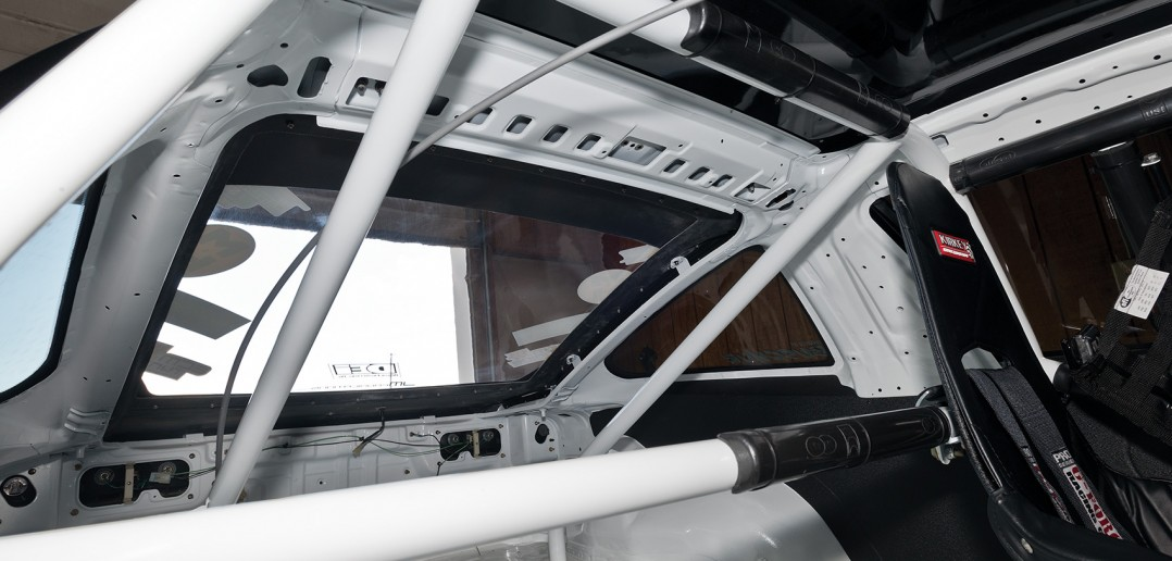 Cage inside the Buschur Racing 1G