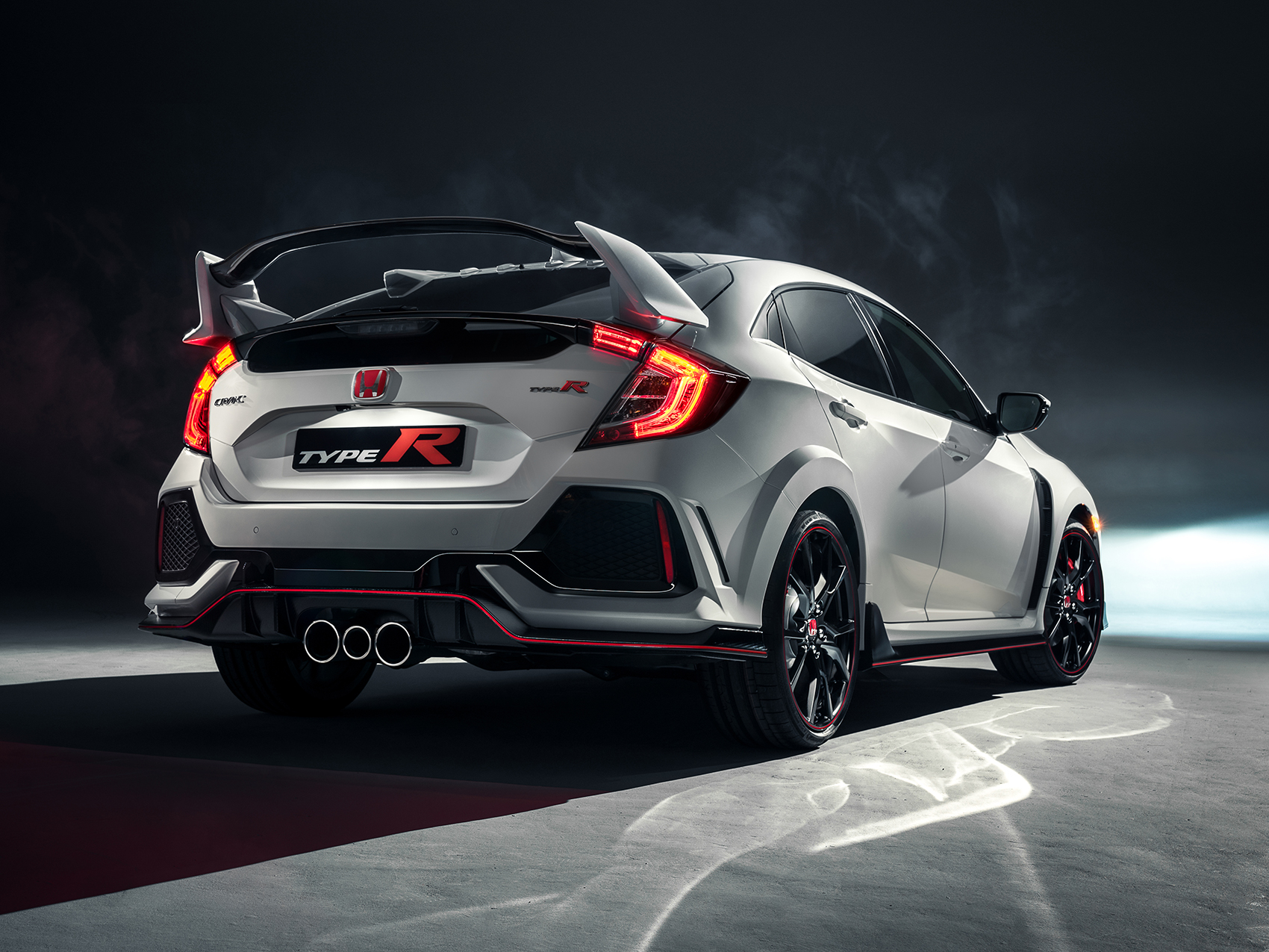 The 2017 Civic Type R Will Make Its U S Debut At New York International Auto Show On April 12