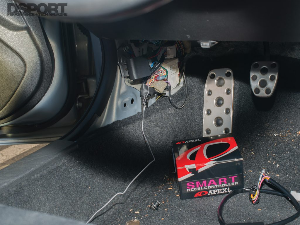 A'PEX'i Throttle Controller Install