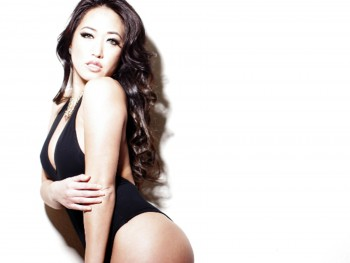 DSPORT Magazine First Date with Angie Leah